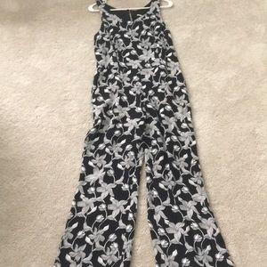 Other - Women's Black and white floral pattern jumpsuit
